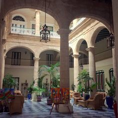 Hotel Florida, where we stayed in Havana!