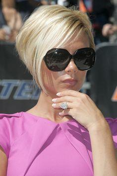 Victoria Beckham always looks stunning.