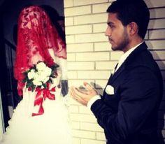 Image about cute in Mariage 👰💍❤ by Laaaaawra 💫 Turkish Fashion, Turkish Style, Niqab, Find Image, Couples, Cute, Beauty, Weddings, Kawaii