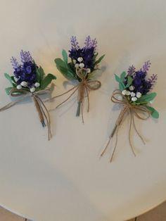 Yaka çiçeği  için  www.gelinbuketleri.com
