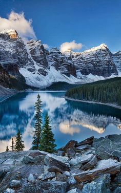 Valley of the Ten Peaks, Canada