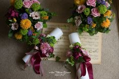 Lumanari de botez roz, aranjamente botez colorate vesele Floral Wreath, Wreaths, Design, Brides, Floral Crown, Door Wreaths, Deco Mesh Wreaths, Floral Arrangements