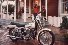 147de18465 Sporty power fit for a groovy 1970s date for two. | Harley-Davidson 1971