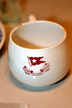 Third-class, or steerage, China etched with the logo of the elite White Star Line, recovered from the Titanic's debris field. Built by Harland & Wolff Titanic Ii, Titanic Photos, Real Titanic, Titanic History, Titanic Movie, Titanic Artifacts, Science Museum, Fascinator, Belfast