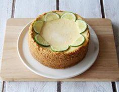 Recette - Cheesecake au citron vert en pas à pas Avocado Egg, Avocado Toast, Biscuits, Gateaux Cake, Saveur, Diy Food, Breakfast, Desserts, Recipes