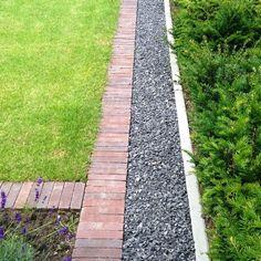 Moderne tuin met strakke klinkers - Vandersanden gebakken sierbestrating