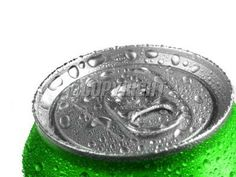 closeup-soda-pop-can-drops-image.jpg (400×300)