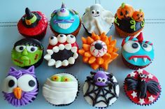 Halloween Cupcakes - these look like WAY too much work, but cute..