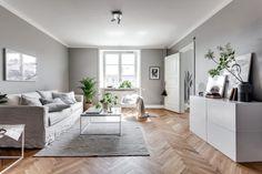 Herringbone floor and neutral walls ❤️
