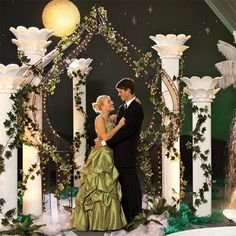 Under the Grecian Moon Archway and Columns Kit-Prom Decorations