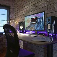 Fantastic and Cool Gaming Desk Setup. Gaming desk setup material selection is mandatory that you should consider as it relates to the strength of the table and the durability of accommodat. Computer Desk Setup, Gaming Room Setup, Pc Desk, Pc Setup, Studio Room, Studio Setup, Home Studio, Deco Gamer, Mundo Dos Games