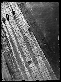 Lajos Kozak :: Budapest, 1930 / via gacougnol Old Pictures, Old Photos, Brassai, Shoot The Moon, History Photos, Budapest Hungary, Great Shots, New Media, Vintage Images