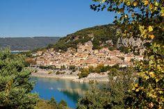 Bauduen : le village au bord de l'eau