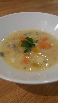 Ψαρόσουπα αυγολέμονο. Σούπα απίστευτα γευστική και θρεπτική, ειδικά όταν υπάρχει φρέσκο ψαράκι. Και ότι πρέπει για τις επιτρεπόμενες μέρες στη νηστεία... Risotto, Soup, Ethnic Recipes, Soups