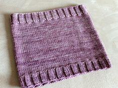 Free Knitting Patterns: Sugar Plum Cowl - Leah Michelle Designs Knitting ProjectsCrochet For BeginnersCrochet Hair StylesCrochet Ideas Knitting Stitches, Knitting Patterns Free, Knit Patterns, Free Knitting, Free Pattern, Knitting Machine, Knitting Needles, Simply Knitting, Knitting For Beginners