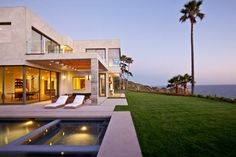 Modern Residential Architecture Residential Architecture After Postmodernism Modern Residential Architecture. Residential architecture is entering a new age. Postmodern design, with its focus on wi… Modern Residential Architecture, Architecture Design, Miami Architecture, Malibu Beach House, Malibu Homes, House Design Pictures, House Viewing, House And Home Magazine, My Dream Home