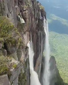 Beautiful Photos Of Nature, Beautiful Places To Travel, Nature Pictures, Amazing Nature, Cool Places To Visit, Beautiful Landscapes, Amazing Photos, Angel Falls Venezuela, Beautiful Waterfalls