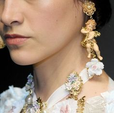 Dolce & Gabbana Fall 2012 Runway Details