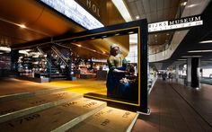 Schiphol-Museum-Shop-by-UXUS-01.jpg (JPEG Image, 1015×636 pixels)