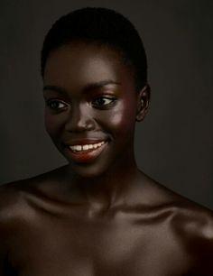 Model Nyamuoch Girwarh für/for MOD Magazine. Credits: Photographer: Mike Ruiz Makeup: Eliza Davila