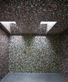 Room covered in facebook profile pictures... Installation by german students Joern Roeder and Jonathan Pirnay