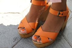 Massively want some Swedish Hasbeens! Me Too Shoes, Swedish Hasbeens, Sock Shoes, Beautiful Shoes, Fashion 2020, What To Wear, Fashion Accessories, Orange Sandals, Heels