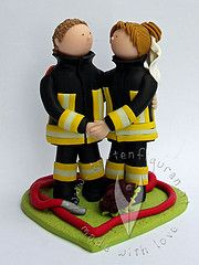 Feuerwehr Hochzeitstortenfigur kenn ich doch irgendwoher....