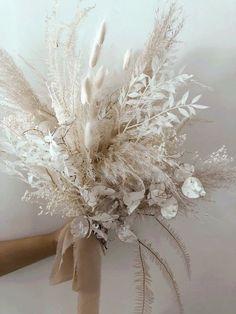 Deco Floral, Arte Floral, Dried Flower Bouquet, Dried Flowers, Bride Bouquets, Floral Bouquets, Dream Wedding, Wedding Day, Dried Flower Arrangements