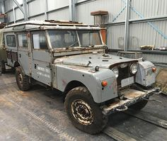 1954 Land Rover 107 Series One Station Wagon After a good clean brantwood. Lobezno.
