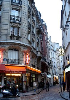 Rue Galande, au coin de la rue Dante, Paris 5e
