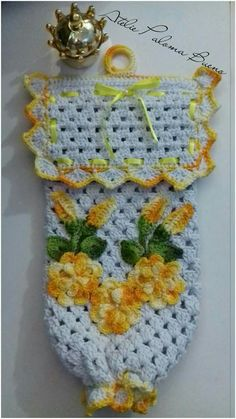 Plastic Bag Holders, Filet Crochet, Lana, Blanket, Yellow, Blog, Pencil Pouch, Crochet Rug Patterns, Crochet Kitchen