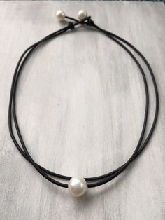 Leather pearl choker, gift idea, leather and pearls, gift for her, valentines day gift, pearls, pearl choker, pearl jewelry, choker