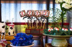 Que amor esta Festa Fazendinha!! Imagens Enchanté Decoração de Eventos. Lindas ideias e muita inspiração. Bjs, Fabíola Teles.              ...