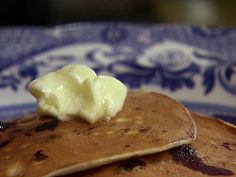 Ree's Lemon Blueberry Pancakes : Ree makes a breakfast treat for her ...