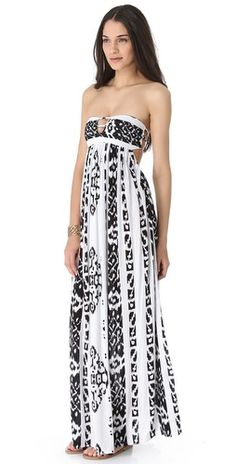 I could see this being worn at a music festival, and there were such pretty dresses like this in Hawaii