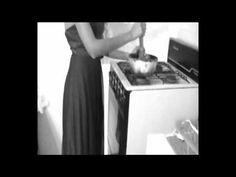 Astrid Hadad - La Muerte Chiquita - YouTube