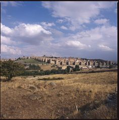Old Town of Ávila with its Extra-Muros Churches, Spain - Founded in the 11th century to protect the Spanish territories from the Moors, this 'City of Saints and Stones', the birthplace of St Teresa and the burial place of the Grand Inquisitor Torquemada, has kept its medieval austerity. This purity of form can still be seen in the Gothic cathedral and the fortifications which, with their 82 semicircular towers and nine gates, are the most complete in Spain.
