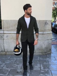 Washed Chino Slim Midnight #smitzy #smitzystyle #inspiredbythegreatest #wemakechinoscoolagain #madeinspain #smitzysocial #perfectfit #chinopants #pants #chinos #trousers #pantalones #men #mensfashion #menswear #FashionPost #menwithstyle #Fashion #Style #StyleBlogger #dark #gentleman #estilo #slimfit #madrid #moda #negro #black #outfit #spain #StayTuned #FW18 #Sale #ShopOnline #NewPost #DressCode #Mode #Fashion # SummerMood #SummerVibes #SummerLook #Colours #LastCall