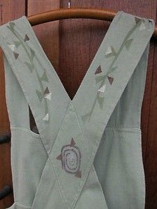 back of apron dress; great vine print!