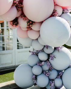 Belle Balloons Wedding Ceremony Arch - New Deko Sites Wedding Balloon Decorations, Wedding Balloons, Wedding Ceremony Arch, Wedding Day, Wedding Blue, Decor Wedding, Party Wedding, Wedding Flowers, Ballon Arch