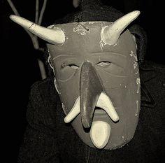 Su Bundu è la maschera del carnevale di Orani, piccolo comune della provincia di Nuoro. Su Bundu indossa abiti da contadino, un cappotto largo, pantaloni di velluto, gambali di cuoio, e una grossa maschera di sughero con corna, un naso prominente, il pizzo e dei baffi. La maschera è stata recuperata a partire dal 1997.