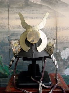 Kabuto. Samurai Helmet, Samurai Weapons, Samurai Armor, Arm Armor, Japanese Culture, Japanese Art, Geisha, Elmo, Japanese Warrior