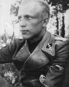 """SS-Obersturmführer of the panzer division """"Das Reich"""" Hermann Bolte - Bolte was awarded the German cross in gold on 14 August He died from wounds in the Marine-Lazaret in Ermont France Luftwaffe, German People, Germany Ww2, War Photography, The Third Reich, Portraits, German Army, Panzer, World War Two"""
