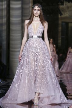 Zuhair Murad Couture Spring/Summer 2016 in Paris. I am in <3 with this gorgeous dreamy piece!!