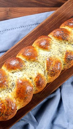 Challah in a Bag - - Challah in a Bag Appetizers, Bites & Sides! With the help of a zip-top bag, fluffy, chewy, perfectly braided challah is far easier to make than you'd think. Challah In A Bag Recipe, Challah Bread Recipes, French Bread Recipes, Brioche Recipe, Artisan Bread Recipes, Brioche Bread, Tasty Videos, Food Videos, Snacks