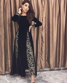Discover recipes, home ideas, style inspiration and other ideas to try. Dress Indian Style, Indian Fashion Dresses, Indian Designer Outfits, Beautiful Dress Designs, Stylish Dress Designs, Stylish Dresses, Pakistani Dress Design, Pakistani Dresses, Velvet Pakistani Dress