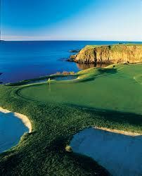 Golf Course The beautiful Hole Pebble Beach: a view to die for! More stunning golf courses here at Famous Golf Courses, Public Golf Courses, Augusta Golf, Golf Course Reviews, Golf Tips, Golf Clubs, Places To Visit, Photos, Rock Bottom