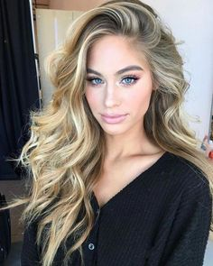 different blond, color rubio, hair day, wavy bridal hair, w Balayage Blond, Blonde Highlights, Different Blond, Wedding Hairstyles, Cool Hairstyles, Fringe Hairstyles, Lange Blonde, Hair Dos, New Hair