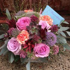 Elegant autumn #flowerdipity #autumn #silver #leaves #roses Fruit Arrangements, Floral Wreath, Roses, Leaves, Wreaths, Autumn, Elegant, Flowers, Silver