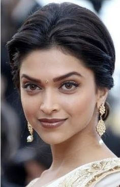 Kajal Couture: Deepika Padukone Makeup Breakdown